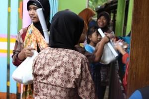 Pelayanan pasar murah di Dusun Doplang pada hari yang sama dengan Dusun Karang, namun diadakan setelah shalat Zhuhur