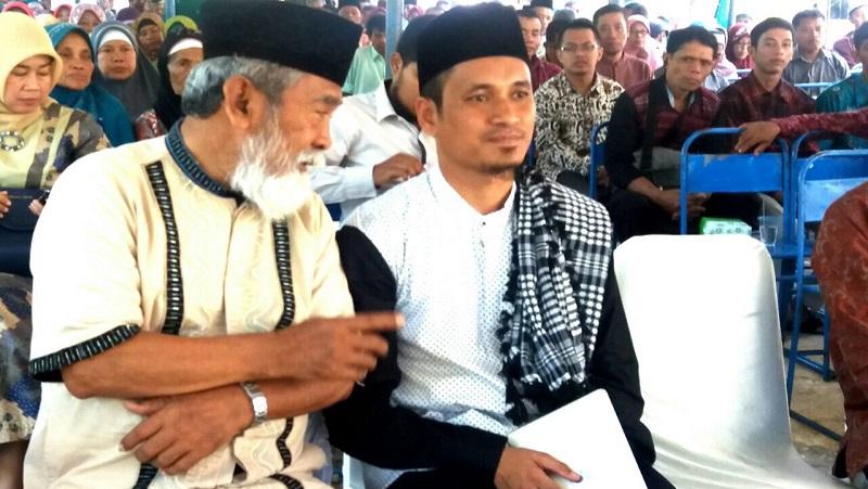 Ustadz Muhammad Abduh Tuasikal bersama Bapak Iskanto selaku perwakilan MUI dan sesepuh Muhammadiyah
