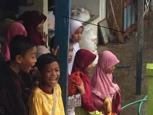 Senyum 04 kala hujan