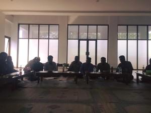 Komite DS yang duduk sebelah timur