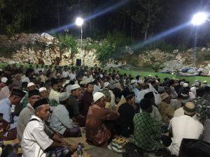 Keadaan pengajian malam Kamis, dihadiri 2000-an jamaah dari berbagai kecamatan sekitar Panggang, Gunungkidul, tadi malam membahas Riyadhus Sholihin, keutamaan azan.